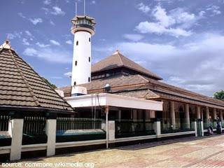 10 Masjid Peninggalan Sejarah Islam di Indonesia