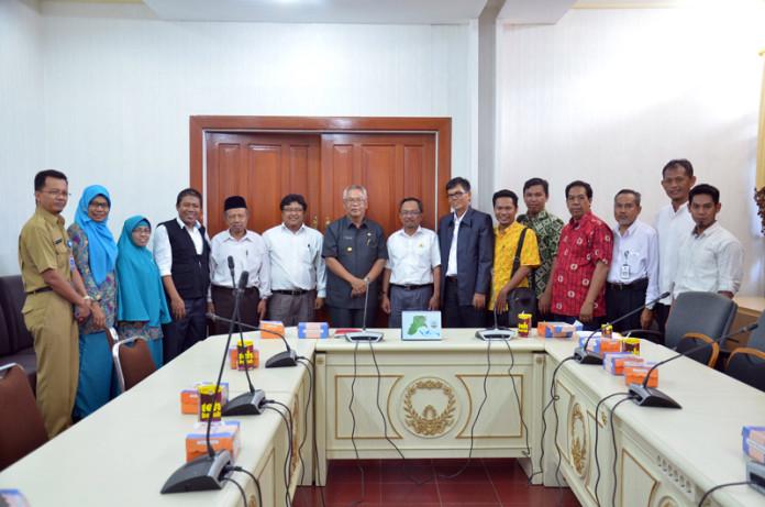 Pj Gubernur Triyono Budi Sasongko menerima kunjungan pengurus Muhammadiyah Kaltara di ruang rapat gubernur, Rabu (27/1) lalu.
