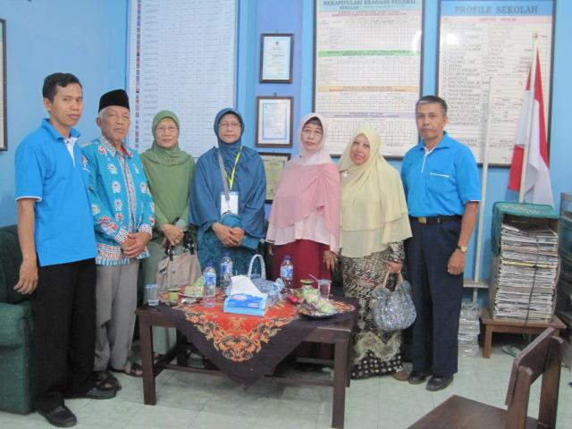 Dewan Guru SD Muhammadiyah bersama Penasehat PDM Banyuwangi