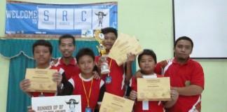 Tim Robot SMP Birul Walidain saat berkompetisi di Sidoarjo Tahun 2014
