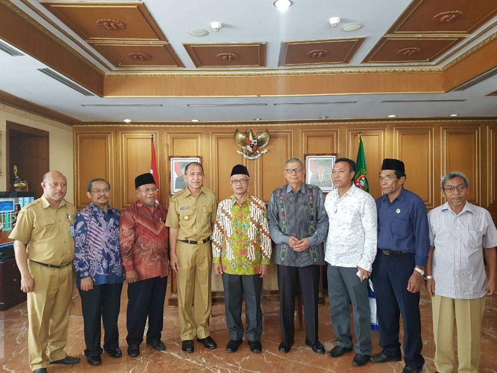 Ketua Umum PP Muhammadiyah Bersama Gubernur Maluku